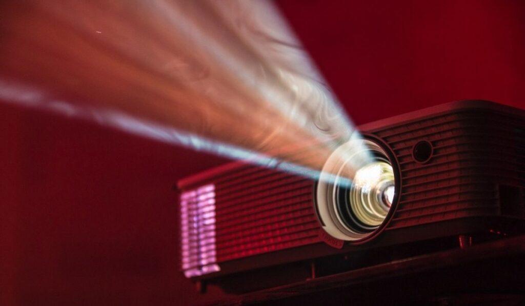 How Long Do Projector Bulbs Last